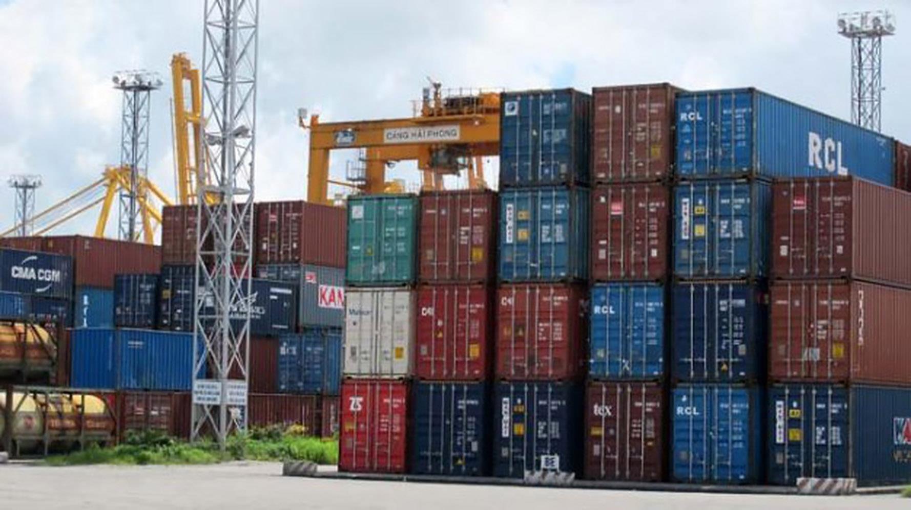 Bộ Công Thương đề nghị giảm phí lưu container, lưu kho cho hàng hóa ở cảng biển - 1