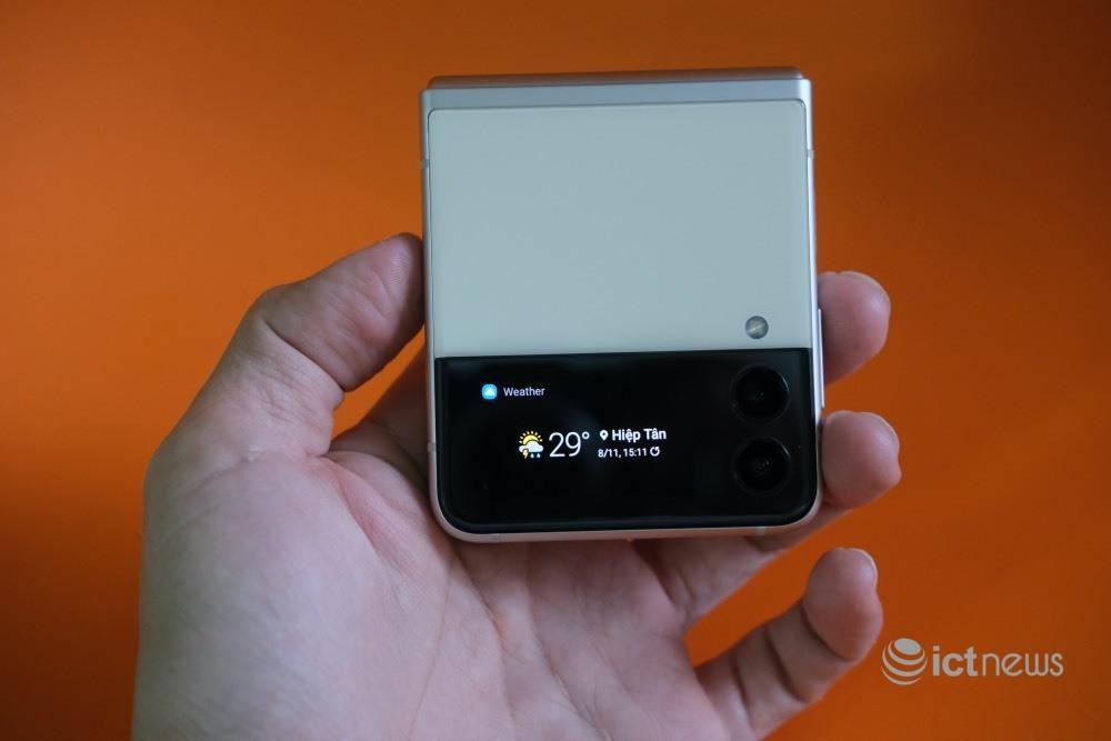 Điện thoại thời trang Galaxy Z Flip3 5G của Samsung có gì mới?