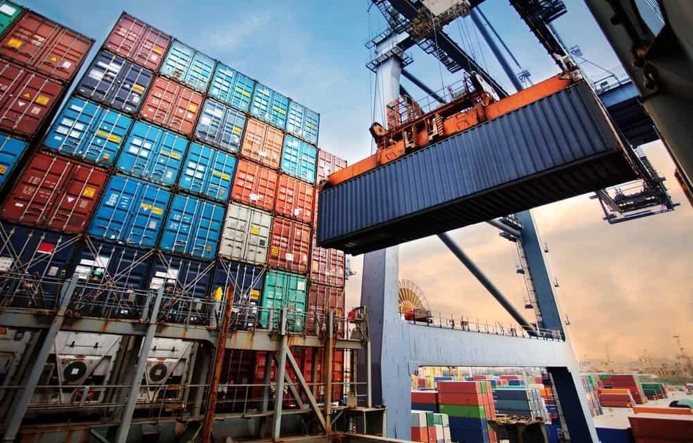 Cước container tăng phi mã, doanh nghiệp Việt nguy cơ mất trắng thị trường  - 1