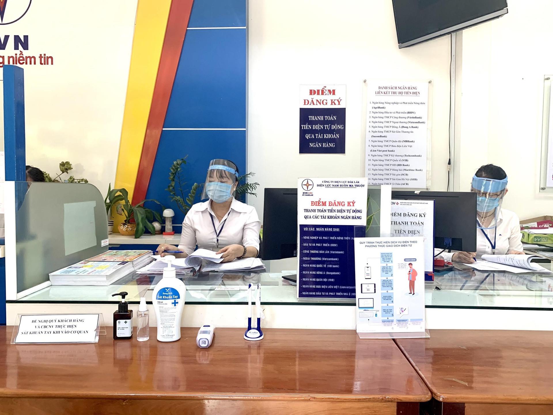 PC Đắk Lắk: Giảm thêm tiền điện cho 150.000 khách hàng bị ảnh hưởng do COVID-19 - 1