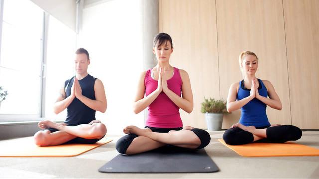 Yoga vừa đủ nhẹ nhàng vừa đủ mạnh mẽ để thu hút nhiều người.