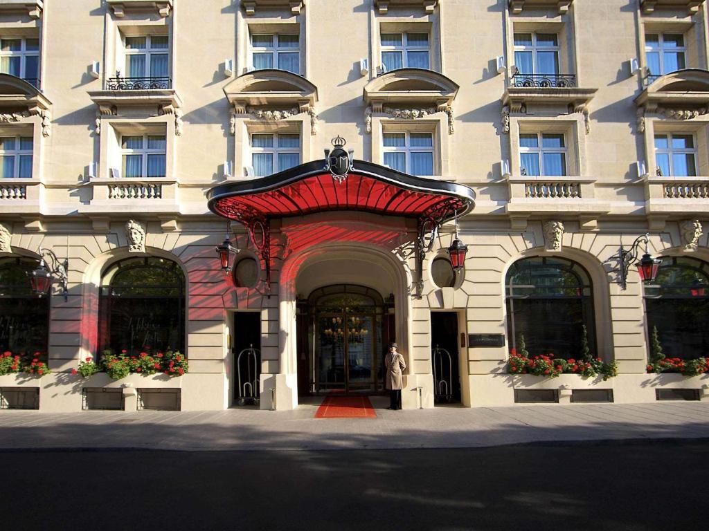 Khách sạn 5 sao mà Messi ở khi đến Paris