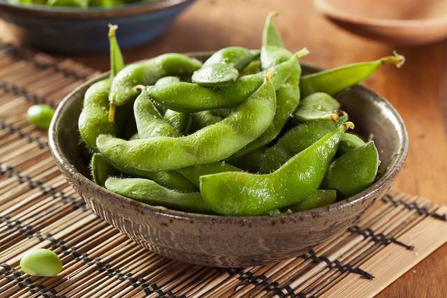 Những thực phẩm nên ăn để đẩy lùi stress trong mùa dịch - Ảnh 2.