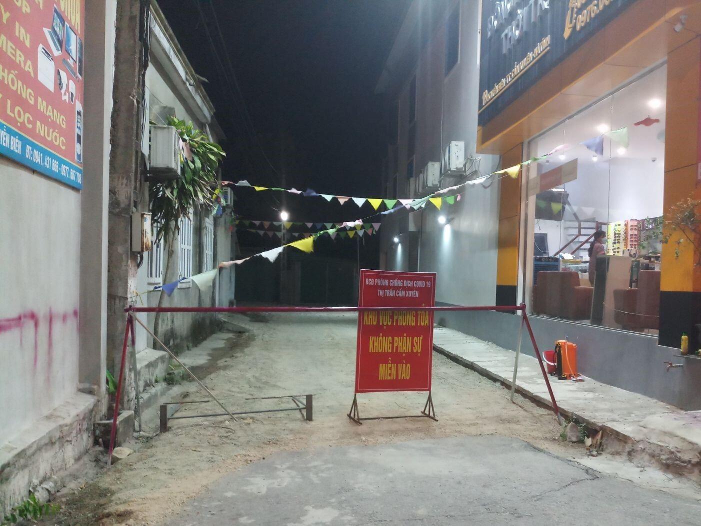 Phát hiện 1 ca nhiễm SARS-CoV-2 ở cộng đồng, Hà Tĩnh phong tỏa hơn 2.000 hộ dân - 1