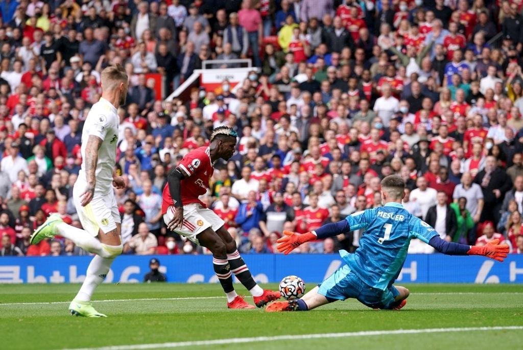 Pogba phô diễn đẳng cấp, đi vào lịch sử Man Utd - 1