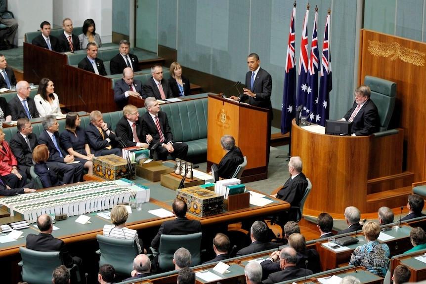 Tổng thống Mỹ Barack Obama phát biểu tại phiên họp quốc hội Australia về chiến lược tái cân bằng châu Á của Mỹ, tháng 11/2011. (Nguồn Reuters)