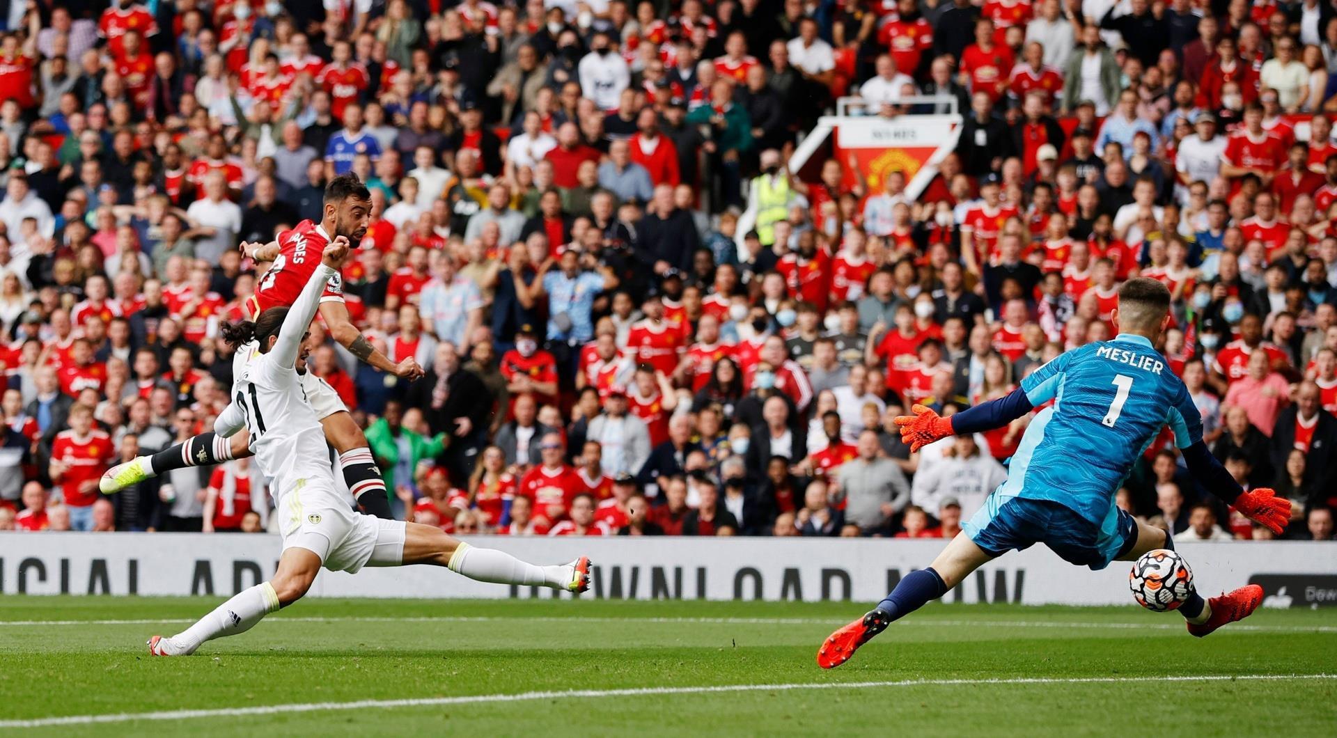 Bruno Fernandes và Pogba tỏa sáng, Man Utd lộ diện hình hài ứng viên vô địch - 2