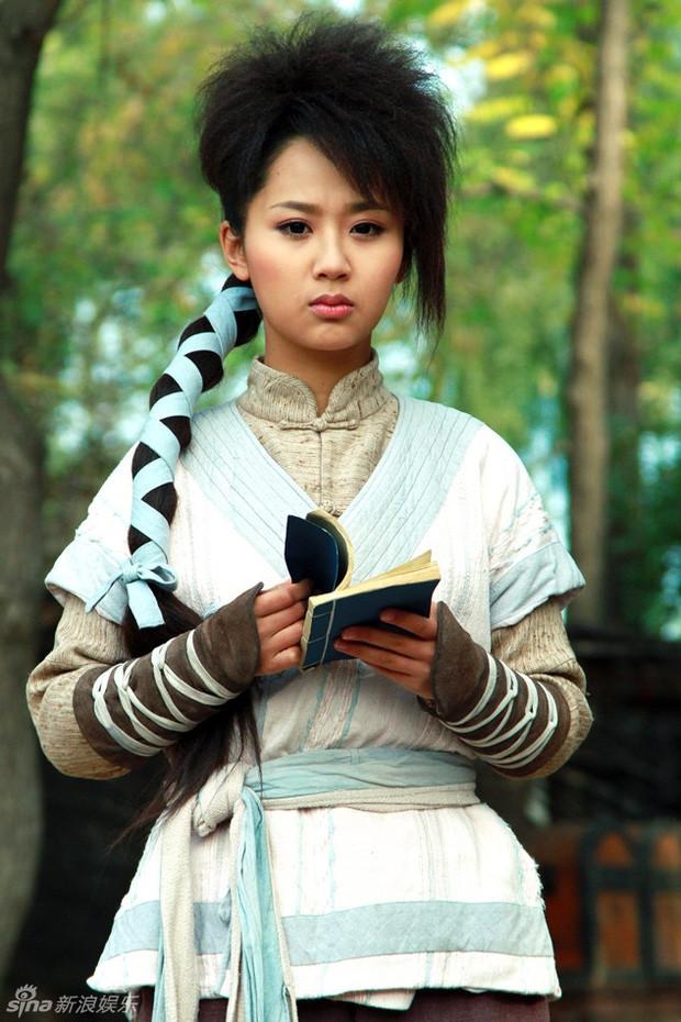 Quá khứ bá đạo của Dương Tử trên màn ảnh, ngoài kiểu tóc gây sốt còn có màn bắt ếch không kém gì trai tráng