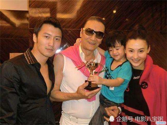 Cha Tạ Đình Phong nói rõ mối quan hệ với con thứ 3 của Trương Bá Chi?-2