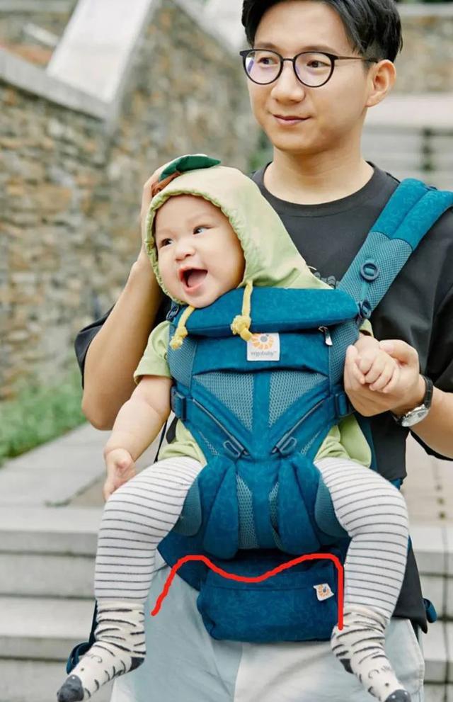 Những thói quen xấu ảnh hưởng đến sự phát triển đôi chân của trẻ mà nhiều mẹ chưa nhận ra-12