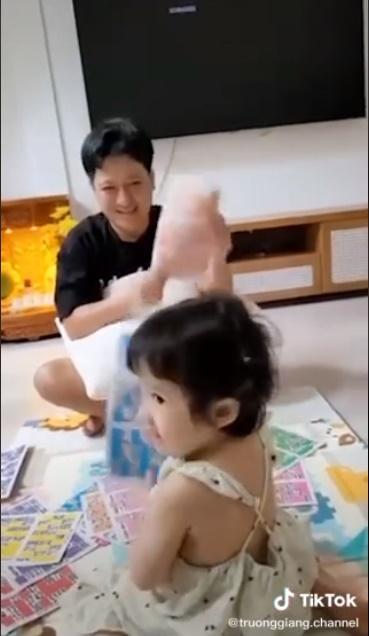 Lộ mặt con gái Trường Giang - Nhã Phương-3