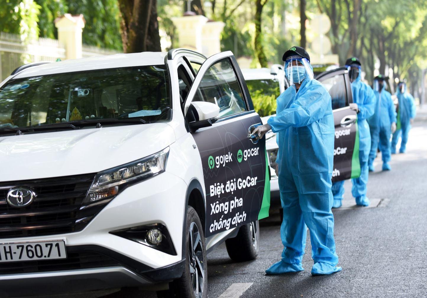 Grab cung cấp dịch vụ gọi xe đặc biệt chuyên chở lực lượng y tế chống dịch tại TP.HCM