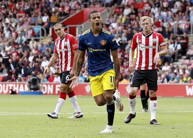Bruno Fernandes mờ nhạt, Man Utd mất ngôi đầu bảng Ngoại hạng Anh  - 3