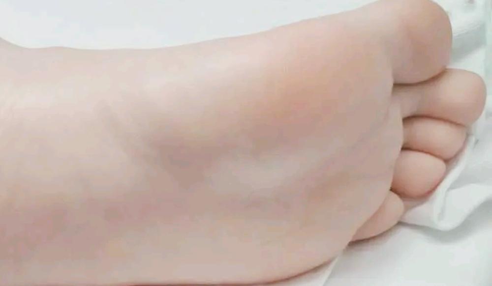 Chân của đứa trẻ có hai đặc điểm, tương lai chúng không chỉ cao mà còn có tỷ lệ cơ thể đẹp hơn-2