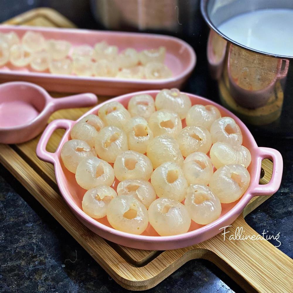 Gái xinh mách chiêu làm thạch nhãn dừa tươi ngọt mát tê lưỡi-2