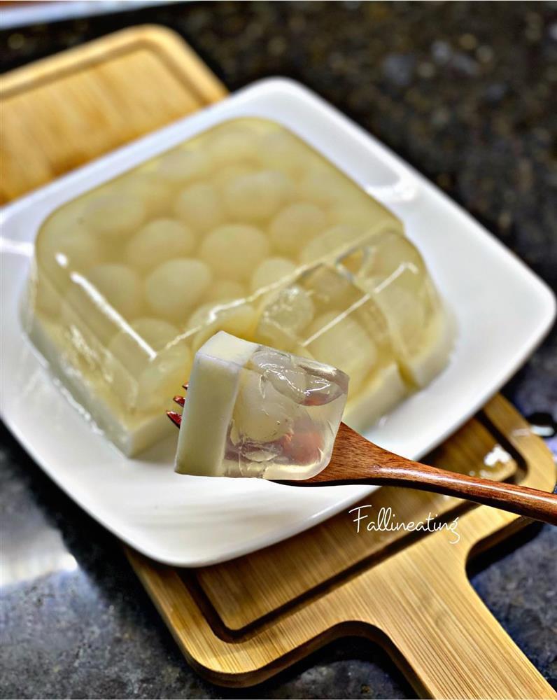 Gái xinh mách chiêu làm thạch nhãn dừa tươi ngọt mát tê lưỡi-6