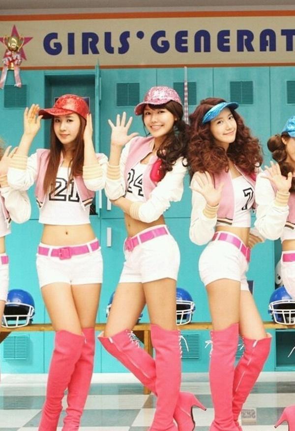 Tại sao showbiz Hàn cấm ca sĩ nữ mặc áo hở rốn biểu diễn?-7