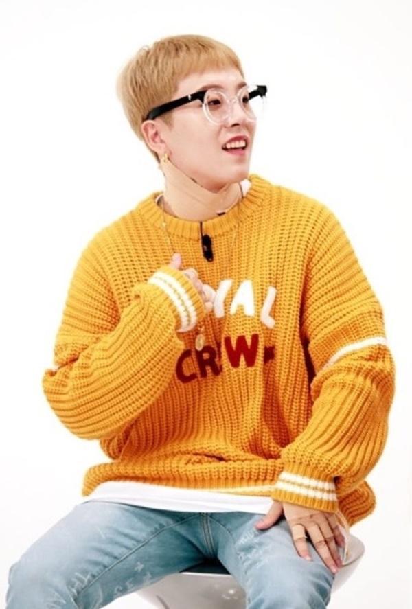 Tại sao showbiz Hàn cấm ca sĩ nữ mặc áo hở rốn biểu diễn?-26
