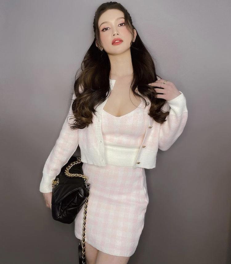 Diện váy len body: Chi Pu gợi cảm, Bella Hadid thanh lịch bất ngờ-5