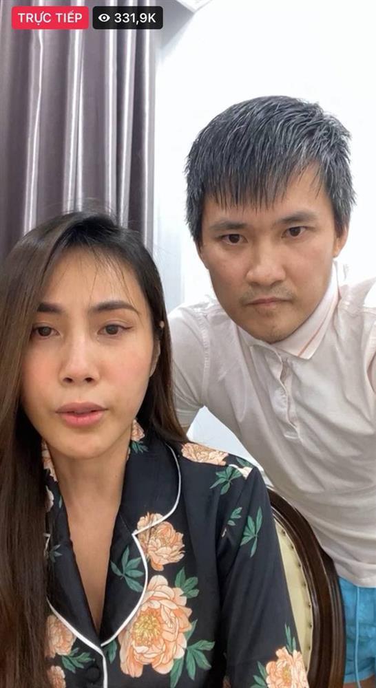 Thủy Tiên khóc mà beauty blogger chỉ hỏi chị kẻ mắt gì không lem?-1