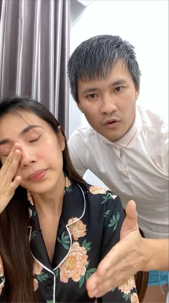 Thủy Tiên khóc mà beauty blogger chỉ hỏi chị kẻ mắt gì không lem?-2
