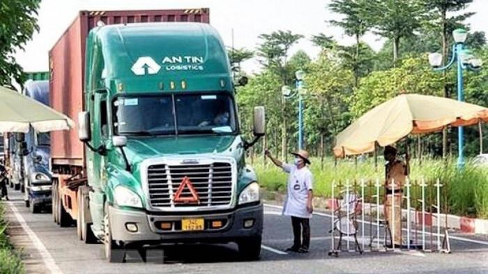 Vận chuyển hàng hóa: Nhiều tỉnh ra 'giấy phép con', trái chỉ đạo của Thủ tướng - 1