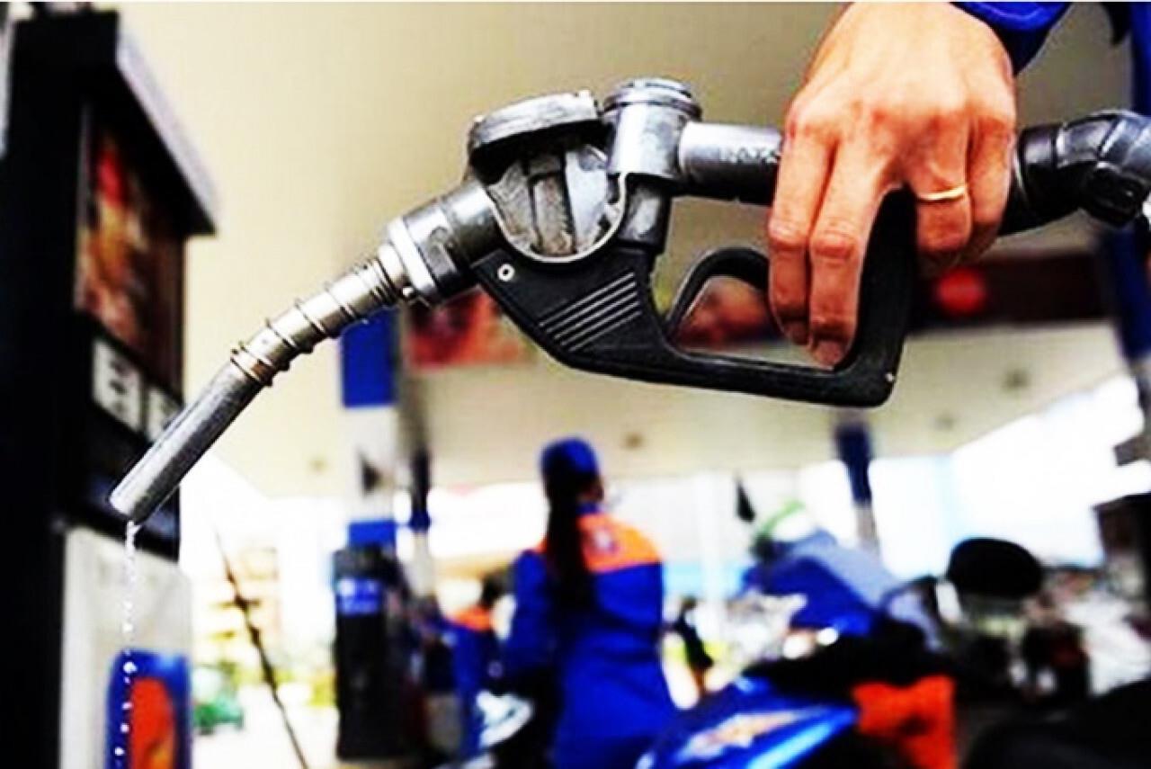 Xăng, dầu đồng loạt giảm giá - 1