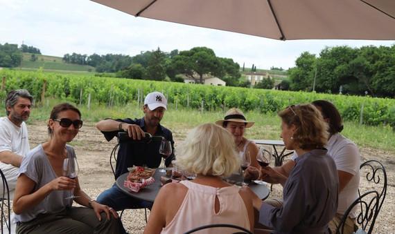 Ngành du lịch rượu vang Pháp mở rộng dịch vụ cho khách nội địa - 1