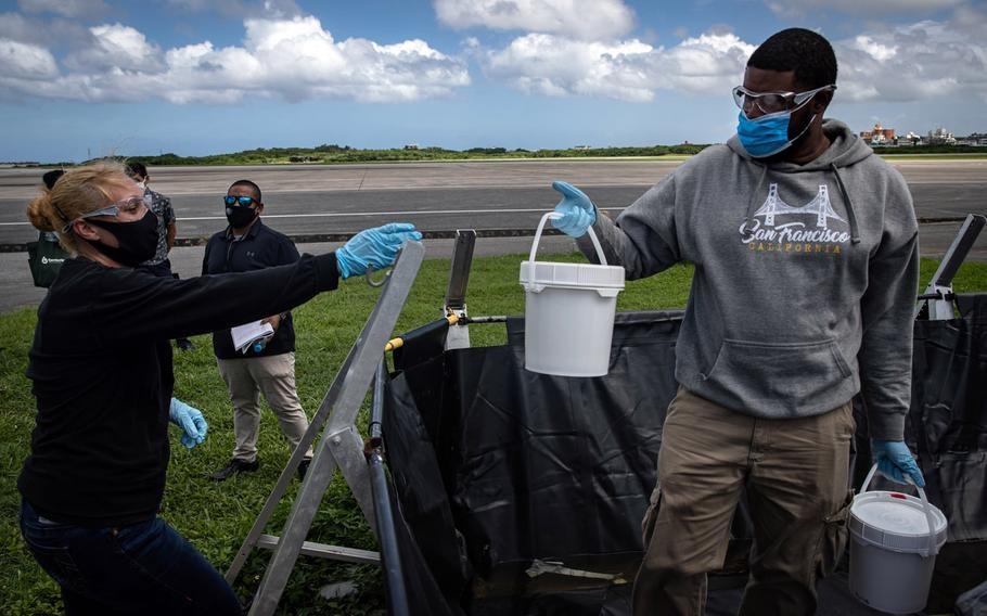Thủy quân lục chiến Mỹ xả nước thải ở Okinawa, Nhật Bản nói 'đáng tiếc', yêu cầu dừng ngay lập tức