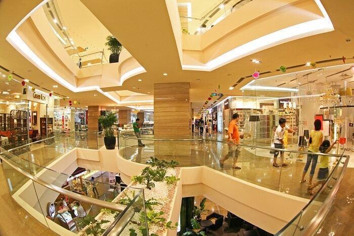 Giá thuê mặt bằng trung tâm thương mại bỗng rẻ hơn nhờ COVID-19 - 1