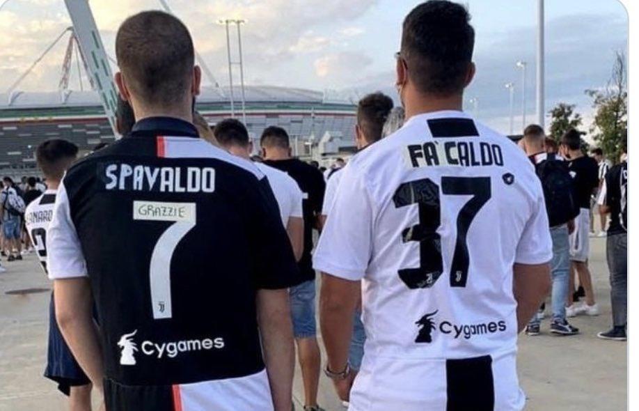 Cổ động viên Juventus đang rất nhớ Ronaldo - 6