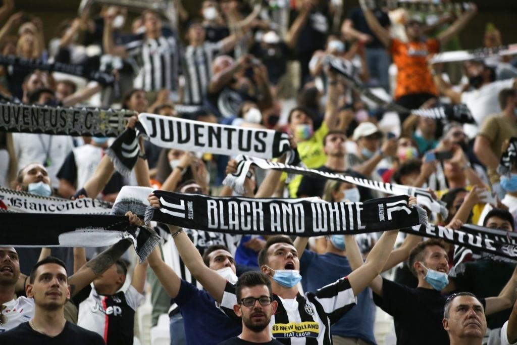 Cổ động viên Juventus đang rất nhớ Ronaldo - 7