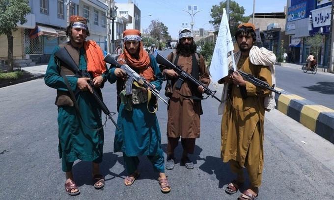Taliban bắn chết ca sĩ Afghanistan