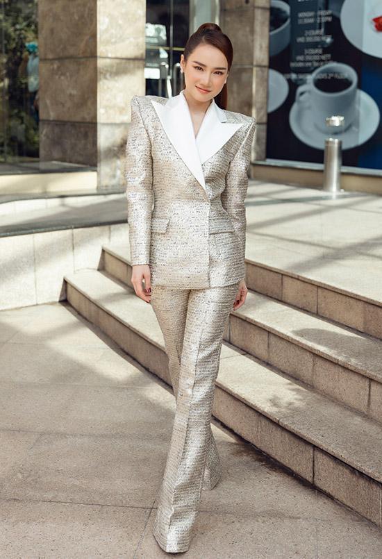 Nhã Phương, Lan Ngọc mix đồ với áo vest chuẩn style soái tỷ-1