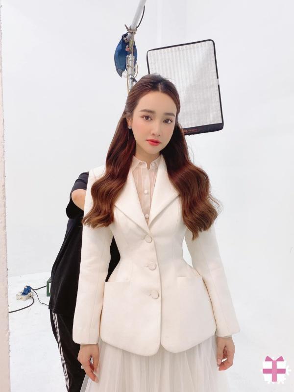 Nhã Phương, Lan Ngọc mix đồ với áo vest chuẩn style soái tỷ-4