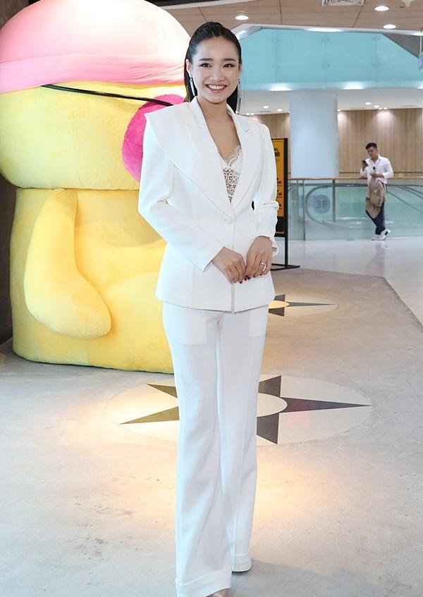 Nhã Phương, Lan Ngọc mix đồ với áo vest chuẩn style soái tỷ-2
