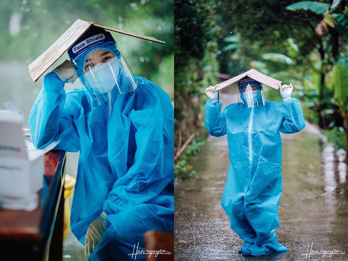 Tan chảy hình ảnh nhảy múa dưới mưa của đôi tình nguyện viên chống dịch - 5
