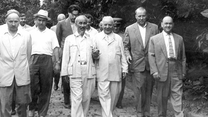 Chủ tịch Hồ Chí Minh thăm chính thức Liên Xô ngày 12-7-1955 - Ảnh tư liệu