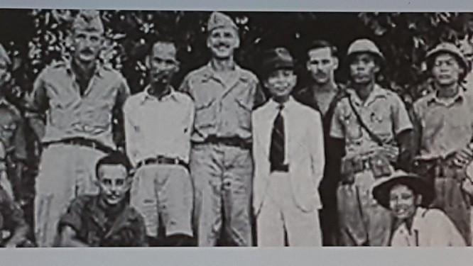 Quốc khánh 2-9: Tấm ảnh và chữ ký trong hai thời điểm nhạy cảm của Chủ tịch Hồ Chí Minh ảnh 3