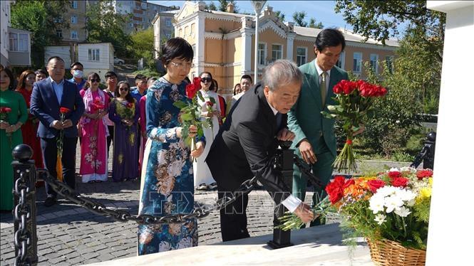 Kỷ niệm 76 năm ngày Quốc khánh: người Việt tại Nga tri ân Chủ tịch Hồ Chí Minh