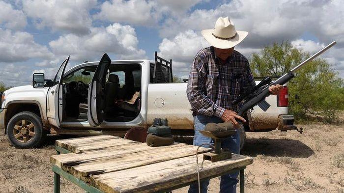 Người dân Texas bắt đầu được mang súng ra đường mà không cần giấy phép