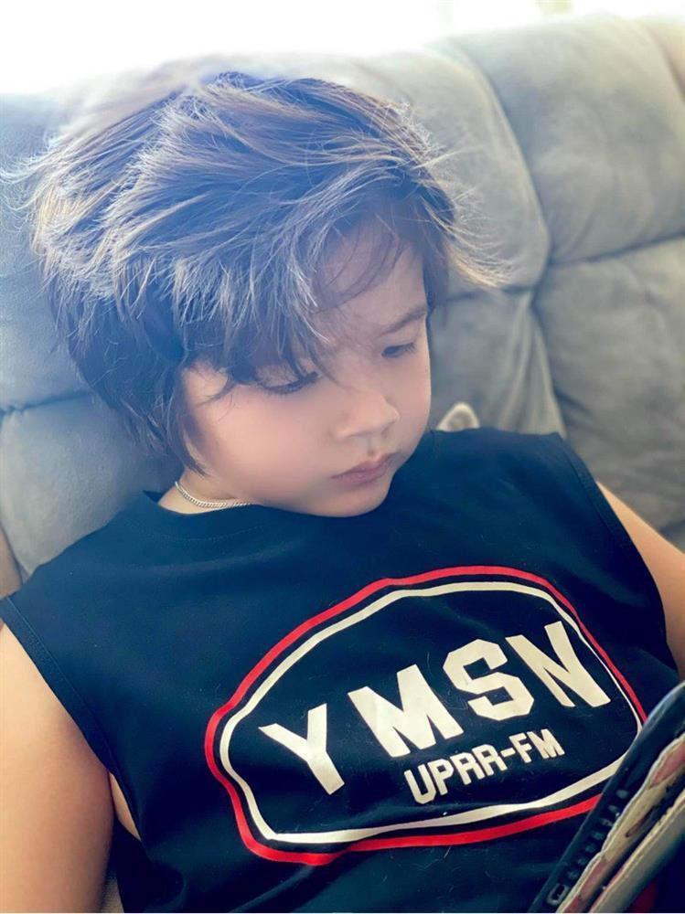 Quý tử nhà sao Việt tóc dài bồng bềnh, có bé trông như con gái-1