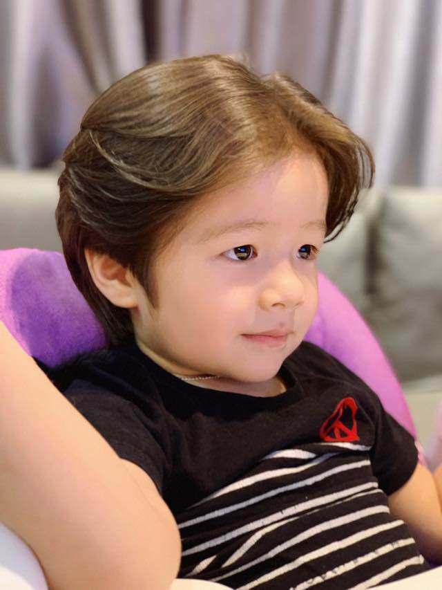 Quý tử nhà sao Việt tóc dài bồng bềnh, có bé trông như con gái-2