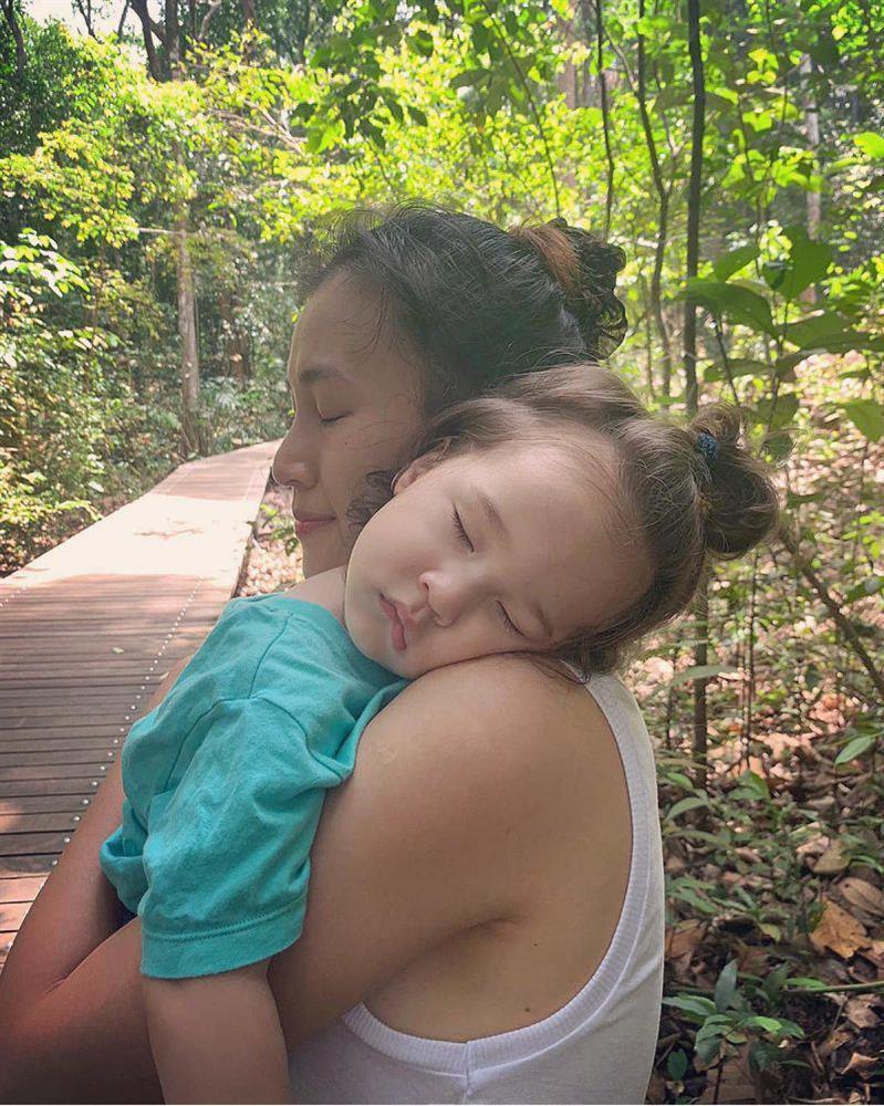 Quý tử nhà sao Việt tóc dài bồng bềnh, có bé trông như con gái-10