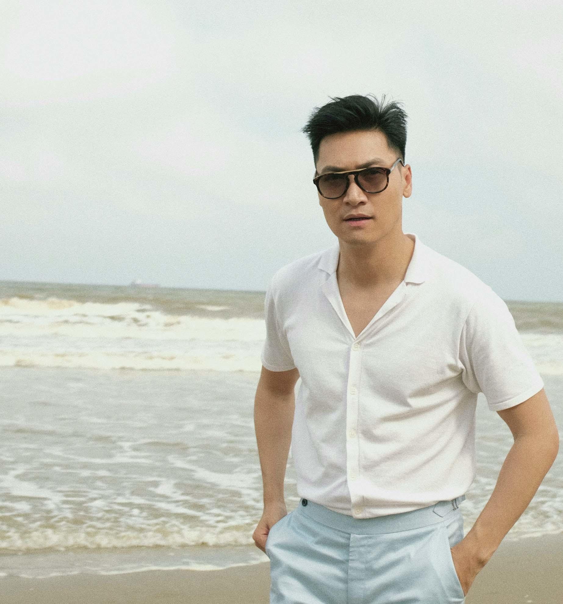 Mạnh Trường, Hồng Đăng, Việt Anh hóa soái ca sơ mi trắng