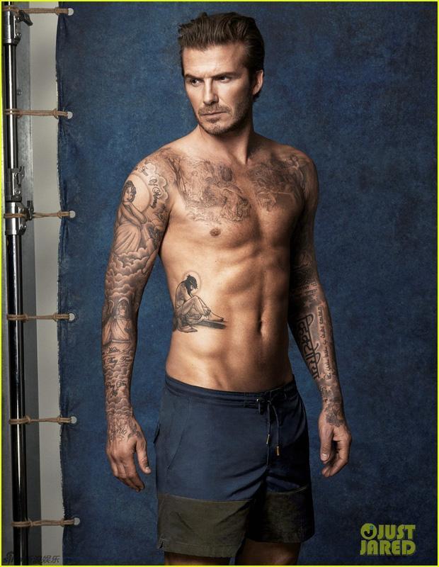 David Beckham phô cả nửa vòng 3 ở hồ bơi, lồ lộ body như tạc-6