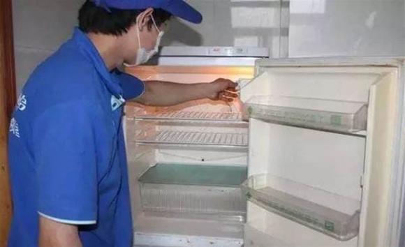 Nếu tủ lạnh quá bẩn, không thể lau sạch, hướng dẫn bạn một mẹo nhỏ là tủ lạnh sẽ sạch không còn vi khuẩn trong 10 phút-5