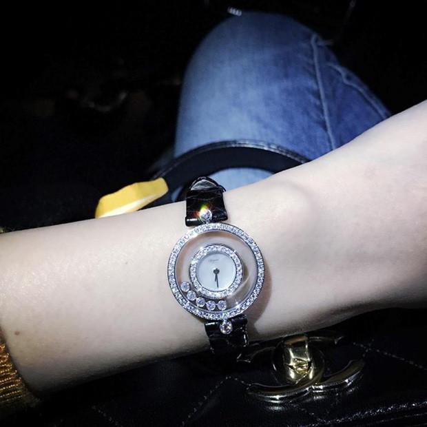 Ngoài đồng hồ 11 tỷ đồng đính 228 viên kim cương, Thuỷ Tiên còn sở hữu đồ hiệu đắt đỏ - 2