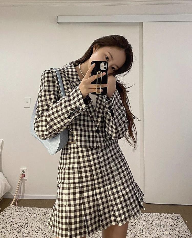 Dàn nữ idol Hàn Quốc khoe street style ngày thu đẹp ngất ngây-3