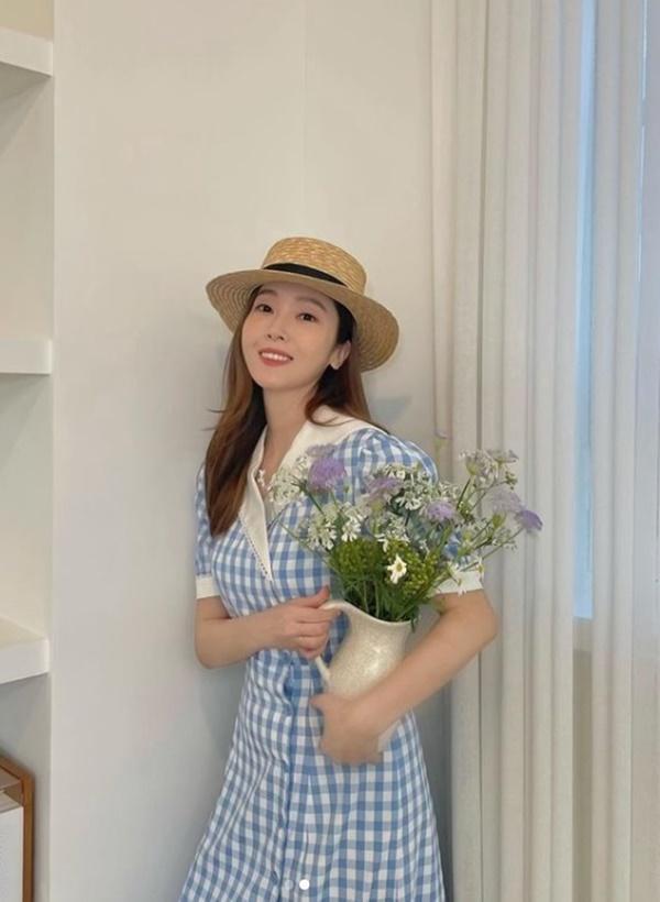 Dàn nữ idol Hàn Quốc khoe street style ngày thu đẹp ngất ngây-2
